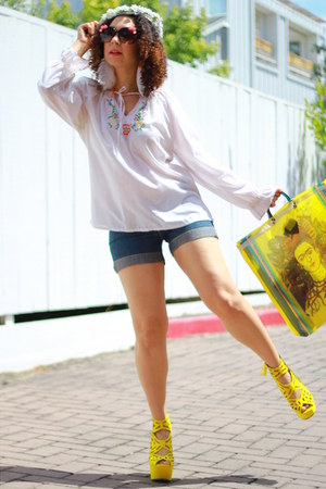 navy Levis shorts - yellow from mexico bag - white thrifted vintage blouse