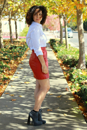 brick red leather vintage skirt - heather gray Alexander Wang boots