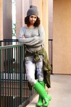 green rainboots Hunter boots - heather gray unknown brand hat