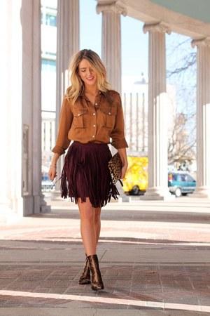 crimson suede BB Dakota skirt - light brown velvet Public desire boots