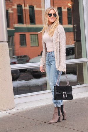 tan knit shein cardigan - tan suede Guess boots - light blue denim Levis jeans
