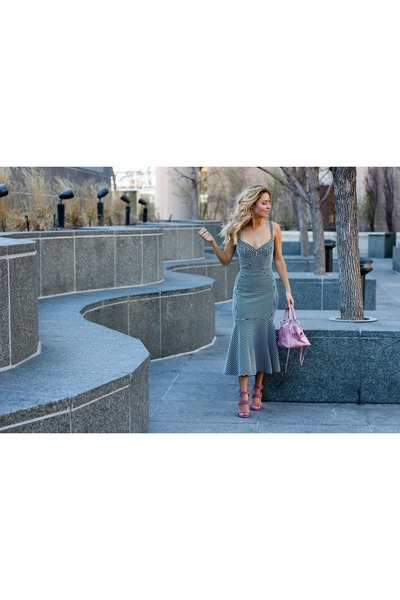 pink suede Steve Madden heels - black cotton- spandex amanda uprichard dress