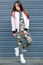 green camo Be Jealous leggings - light pink bomber Boohoo jacket
