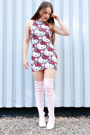bubble gum hello kitty Planet Vandy dress