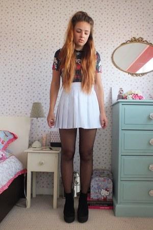 white pleated Ebay skirt - black platform Topshop boots