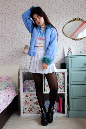 sky blue fluffy charity shop cardigan - black glitter Topshop tights
