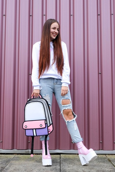 Bubble-gum-platform-dolls-kill-boots-light-blue-ripped-sheinside-jeans