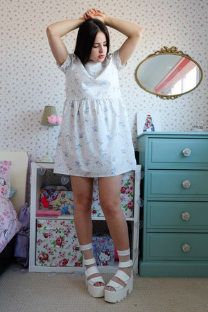 white platform la moda sandals - off white smock Tallulahs Threads dress