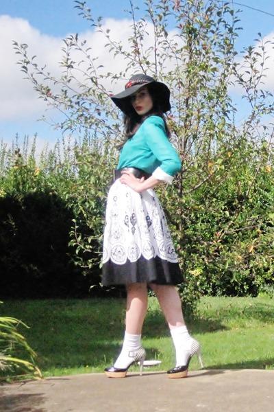 aquamarine Sportsgirl top - white Nine West shoes - white Target skirt
