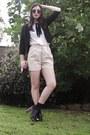 Light-pink-sportsgirl-shorts-white-shirt-black-sunny-girl-blazer-black-spo