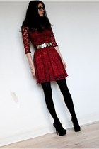 ruby red lace asos dress - black romwe belt