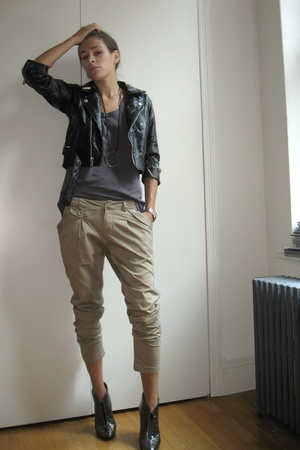 beige jodhpurs f21 pants - croc embossed luca valentini shoes