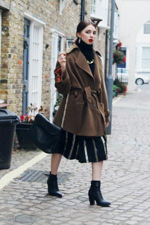 vintage coat - H&M earrings
