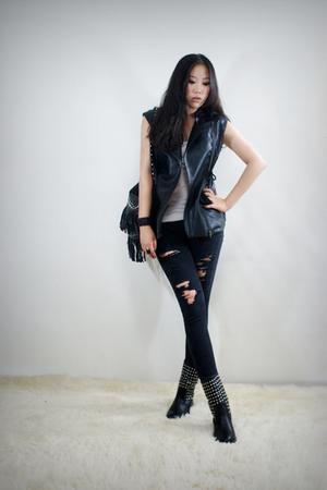 black 2BB3 vest - black 2BB3 pants - black 2BB3 purse - black 2BB3 shoes