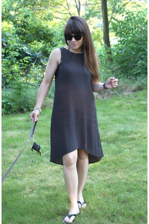 dark gray ASTR dress - studded Italia Independent sunglasses