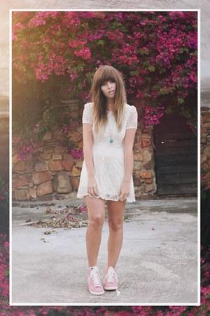 lace olive dress