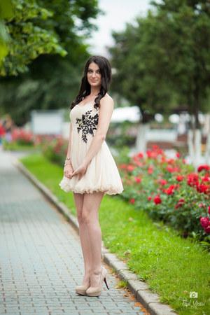 dress - H&M accessories - heels