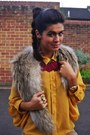 Camel-fur-h-m-scarf-maroon-feathers-new-look-necklace