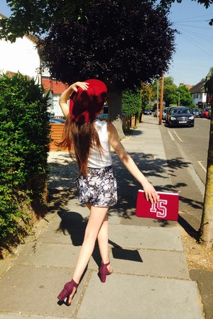 ruby red floppy hat asos hat - slogan Topshop bag