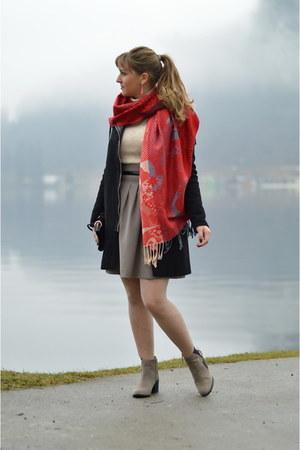 ruby red sammydress scarf - tan Zara boots - eggshell Bershka sweater