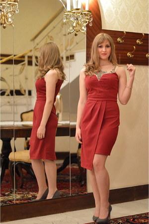 ruby red Little Mistress UK dress - gray pull&bear heels