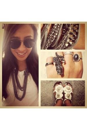 BCBG necklace - ring - vintage ring - BCBG bracelet - rempage sandals