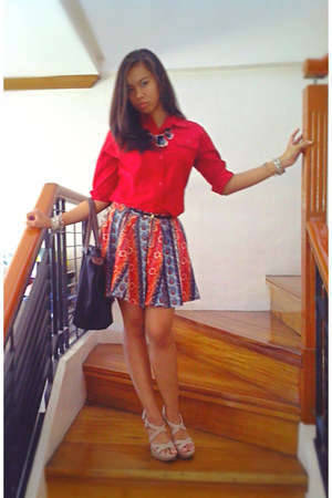 random top - nude gibbi heels - red printed Primadonna skirt - black H&M belt