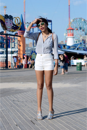 abercrombie and fitch shirt - Urban Outfitters shorts - H&M sunglasses