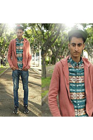 hm shirt - zara jeans - bershka vest - nike sneakers