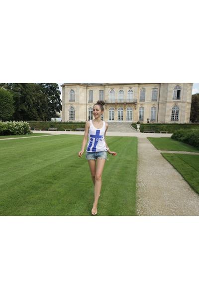 sky blue cropped Bershka shorts - white it girl Bershka top
