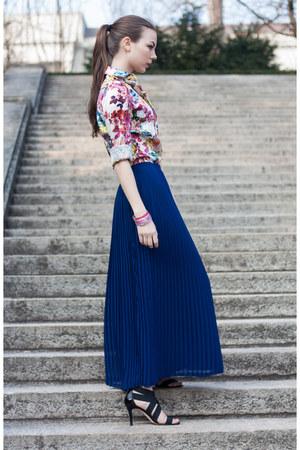 blue SANDRO skirt - hot pink Dolce & Gabbana shirt - black Sergio Rossi heels