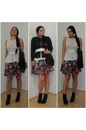 floral Amisu skirt - white studded Mango belt