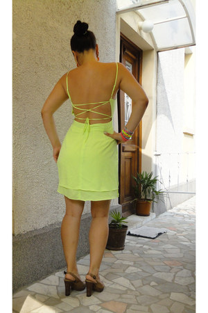 open back Tally Weijl dress - Anasty Art earrings