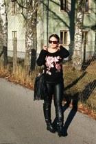 black Monsoon sweater - black faux leather tezenis pants