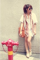 Bijoux Terner scarf - vintage Mango bag - Vincci heels