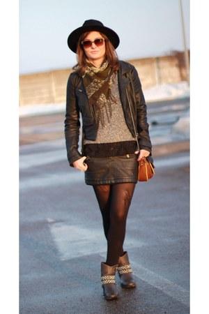 Zara boots - H&M hat - River Island jacket - Zara bag - H&M sweatshirt