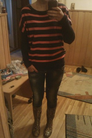no name boots - Zara jeans - Forever 21 sweater