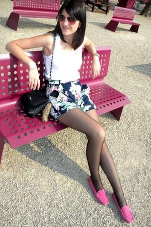 hot pink Bonneville loafers - black Mango bag - Depot 96 shorts