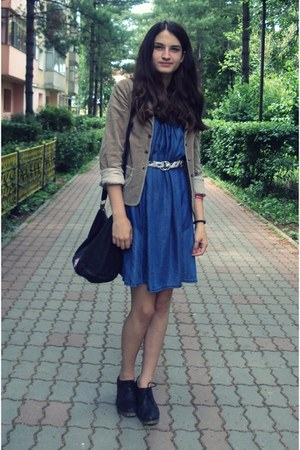 blue jeans Promod dress - tan Foggi blazer - black vintage bag