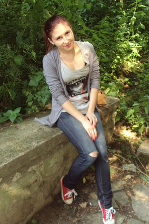 blue jeans - periwinkle t-shirt - heather gray cardigan - red sneakers