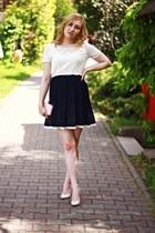 navy dress - peach bag - nude leather heels - ivory earrings