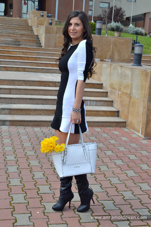 black Stradivarius boots - eggshell Zara dress - off white Guess bag
