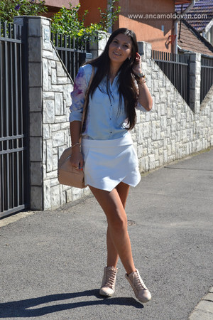 white Zara shorts - light blue Zara shirt - nude Zara bag