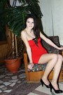 Short-red-dress-dress-bling-bling-accessorize-ring-heels