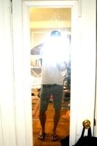 Fruit of the Loom t-shirt - Levis cutoffs shorts - Havianas shoes - Uniqlo belt