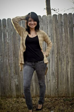 black Charlotte Russe shoes - gold Charlotte Russe cardigan - gray Pac Sun jeans