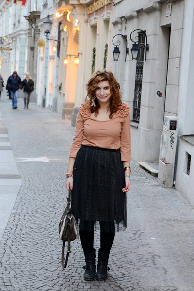 black Zara boots - black tulle Zara skirt - nude H&M top