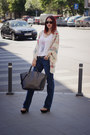 Navy-zara-jeans-white-stradivarius-shirt-black-zara-bag-ray-ban-sunglasses