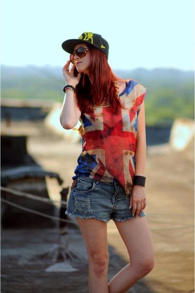 H&M sunglasses - D&C hat - glow fashion shorts - Zara top - black H&M bracelet