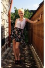 Floral-skirt-white-top-brown-clogs